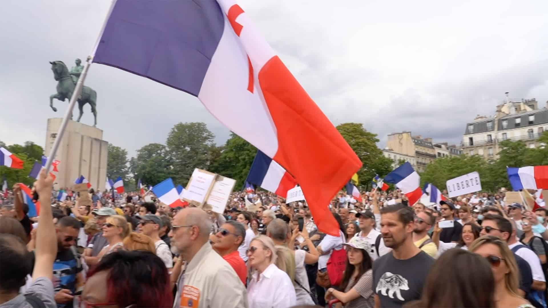Manifestation anti-pass sanitaire à Paris